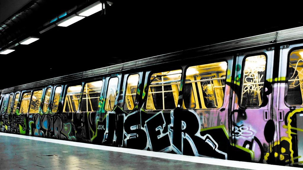 graffiti_on_the_metro